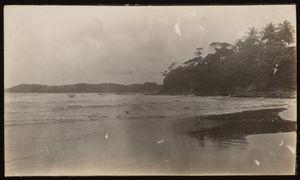Entrance to Portobelo Bay, Colon Province, Rep. of Panama. Note buildings in background.   Entrada a la bahía de Portobelo, Provincia de Colón, Rep. de Panamá. Véase edificios al fondo.